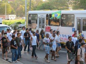 Juventude vai às ruas em Salvador (BA)
